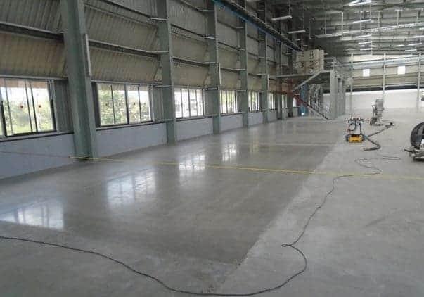 Обеспылить бетонный пол
